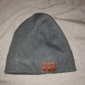 Other - Beanie with built in headphones BLUETOOTH